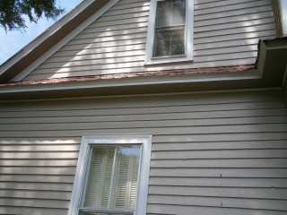 Edge of roof is showing warping due to age